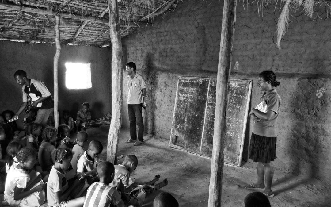 Escuela inclusiva. Parte 2: caso práctico: escuela-refugio en Madagascar | Ana Asensio