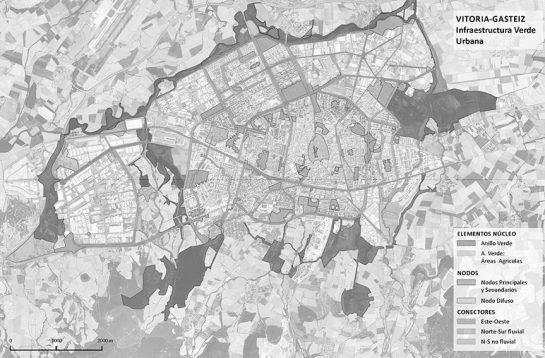 Vitoria-Gasteiz, ciudad designada Capital verde europea 2012 por la comisión europea. El Anillo verde de la ciudad contempla una red de itinerarios verdes peatonales y ciclistas que interconectan los barrios con los distintos espacios verdes. Fuente: vitoria-gasteiz.org