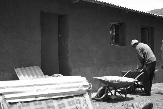 El espacio doméstico en el rural altoandino y su relación con el hábitat precario urbano