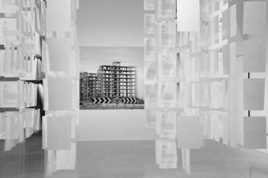 """Vista de la instalación """"Castillos en el Aire"""" (2012). Foto de Joaquín Cortés /Rimán Lores. MNCARS"""