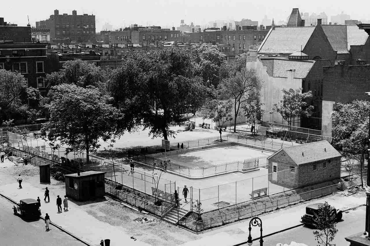 Robert Moses desarrolló canchas y espacios para el juego reglado en la ciudad de Nueva York