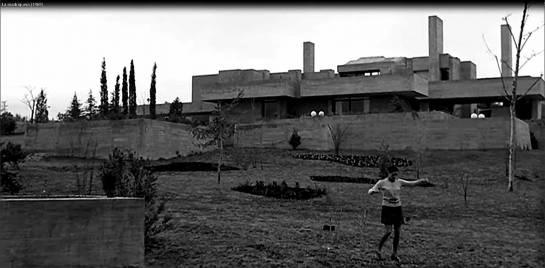 Edificio Casa Carvajal en la película La Madriguera de Carlos Saura