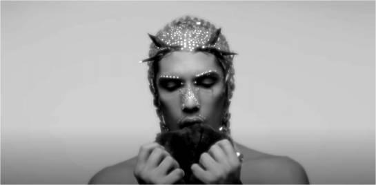 Fotograma del videoclip Pop Ur Pussy de C. Tangana y El Palomar