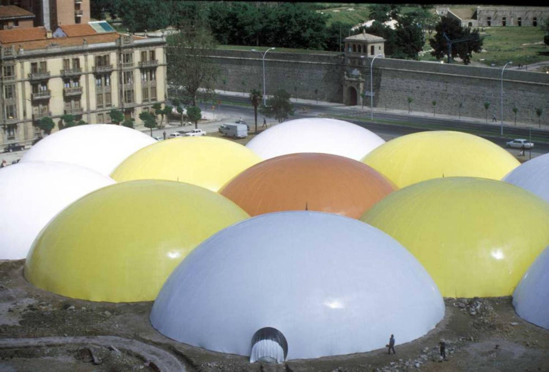 Los Encuentros de Pamplona fueron un gigantesco sistema de cúpulas inflables de PVC que se mantenían en pie por medio de un sistema de ventilación.